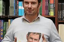Oblíbený kuchař Emanuel Ridi ve čtvrtek navštívil brněnské knihkupectví Barvič a Novotný.