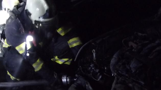 Hasiči v noci zasahovali u požáru v Žebětíně