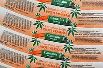 Ivančická kosmetika míří i na zahraniční trh. Výrobky z konopí jsou nejžádanější a musejí vyhovovat přísným předpisům. List marihuany zdobí obaly krémů, šamponů, čisticích vod i balzámů na rty.