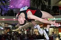 Čínský talent Ju Wang jako jediný přeletěl hypnotizovanou výšku 230 a slavil první evropský triumf na specializovaných mítincích.