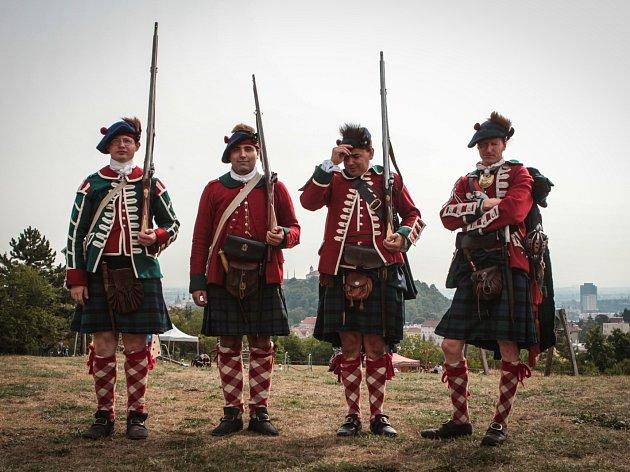Highland games, tedy skotské hry, přilákaly na Kraví horu stovky návštěvníků. Odvážlivci si zkusili typické silové disciplíny.