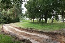 Budování nové spojnice mezi Arbesovou a Nejedlého ulicí na brněnském sídlišti Lesná.