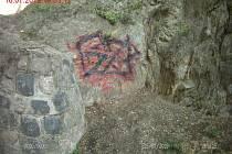 Graffiti se mu nelíbilo. Tak jej přemaloval vlastním.