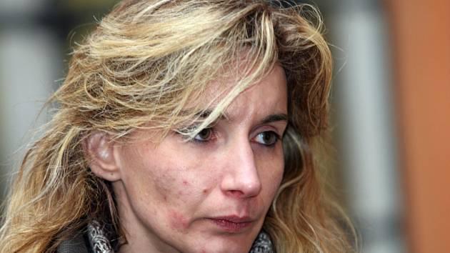 Monika Picmausová u soudu.
