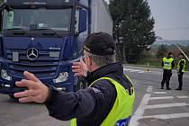 Dva nelegální migranty odhalil cizinecký policista ve čtvrtek na Brněnsku. Za poslední dobu se tak jedná již o sedmý případ.