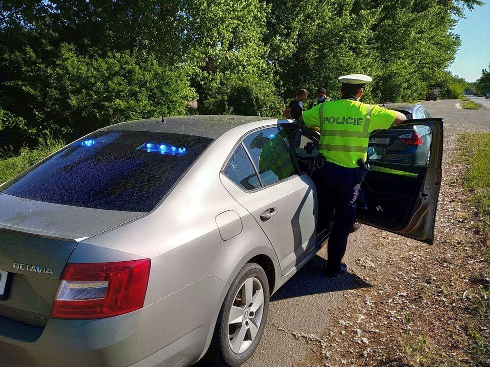 Policisté o víkendu kontrolovali řidiče v celém kraji.