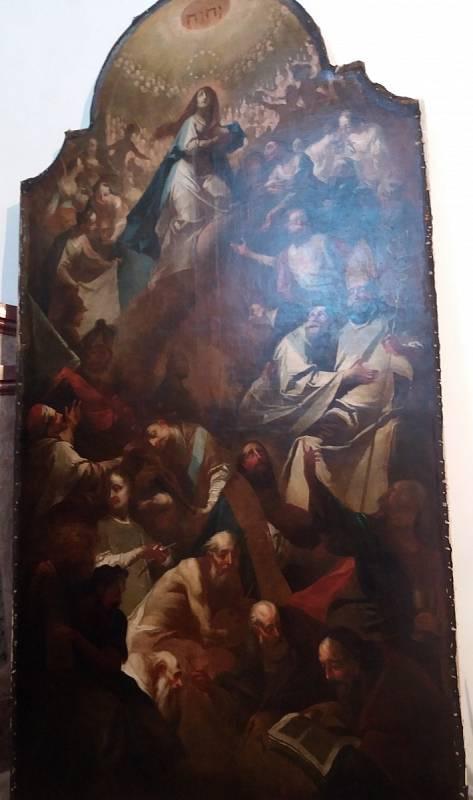 Barokní obraz Panny Marie a Všech svatých v kostele Všech svatých v Moravském Krumlově z roku 1785. Oltářní obraz po restaurátorských pracích.