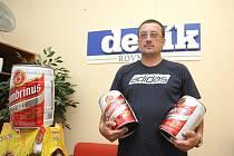 V přepočtu víc než jednu velkou bečku piva si odnesl vítěz jarní části fotbalové soutěže Brněnského deníku Rovnost Robert Hedvábný..