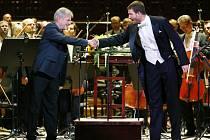Skladatel Zdenek Merta (vlevo) představí na Velikonočním koncertě svoji skladbu Via Lucis, napsanou na latinské liturgické texty.