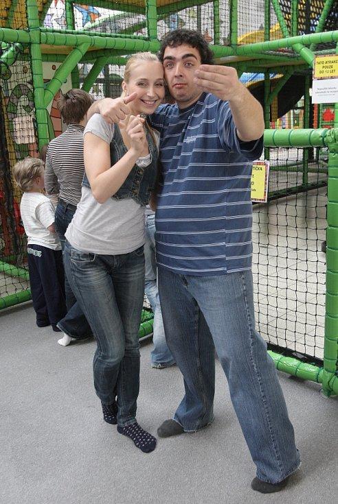 Desáté výročí od založení oslavila asociace pomáhající lidem s autismem APLA-JM v brněnském herním parku Bongu.