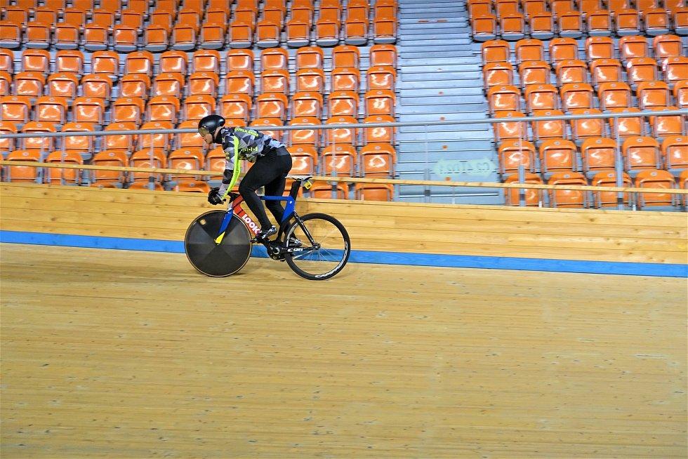 Dráhoví cyklisté brněnské Dukly (Jakub Šťastný) strávili další dva týdny na soustředění v Bulharsku.