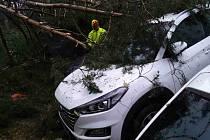 Důsledky bouřek v kraji.