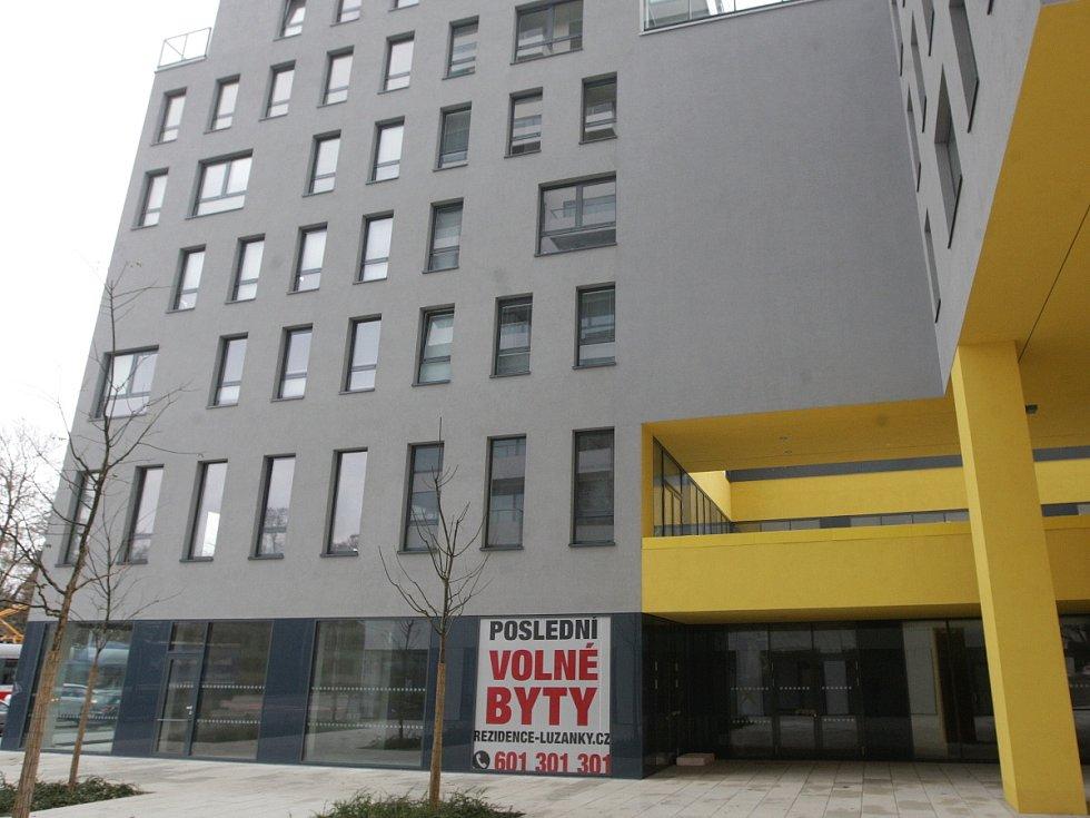 Volné byty v bytovém domě v brněnské Lidické ulici.