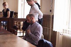 Krajský soud v Brně začal projednávat případ Martina Vlčka, který 22. září 2017 zastřelil svého známého ve vlaku.