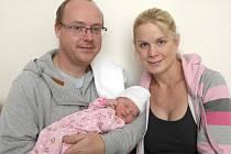 Linda Švarcová z Prace nar. 6.9.2015 v Nemocnici Milosrdných bratří s maminkou Petrou a tatínkem Pavlem