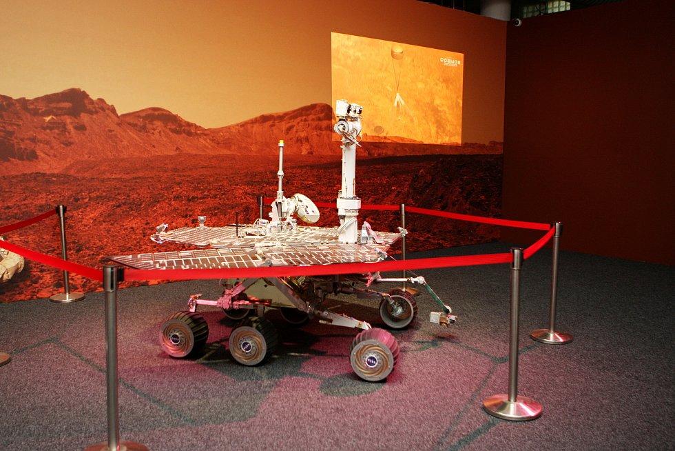 Na brněnském výstavišti začala výstava Cosmos Discovery. Zájemci tam uvidí třeba část meteoritu.