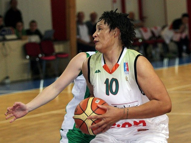 Letní posila basketbalistek Gambrinusu Tamika Whitmoreová.