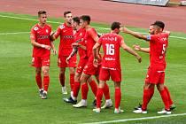 Fotbalisté Zbrojovky (červené dresy) zvítězili na hřišti Vítkovic 3:2.