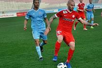 Ve finále zimní Tipsport ligy na Maltě Zbrojovka (v červeném) nasadila v základní sestavě víc slovenských fotbalistů než Slovan a zvítězila 3:0.