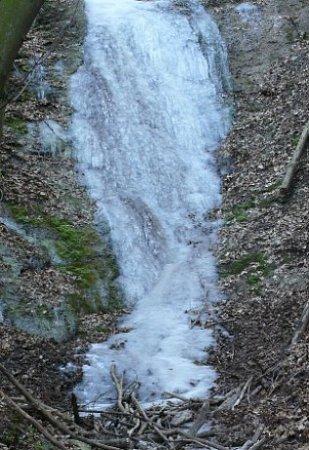 Mariánský potok - zamrzlý vodopád.