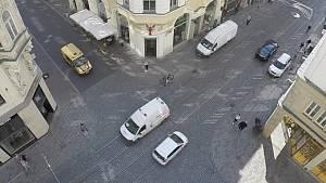Záběry z časosběrného videa sledujícího pohyb v pěší zóně v Masarykově ulici
