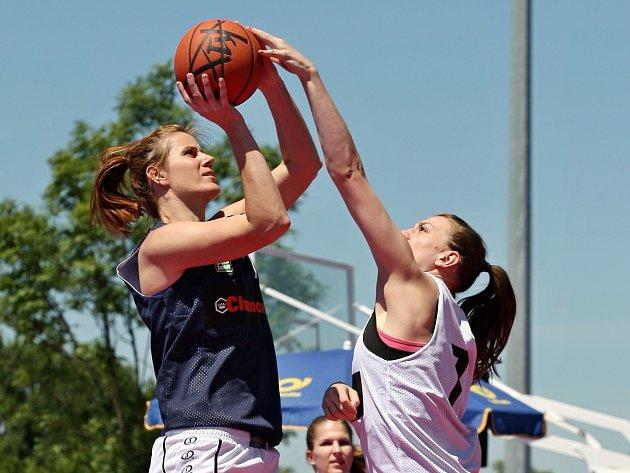 Zápasy basketbalové hry 3x3 v Modřicích.