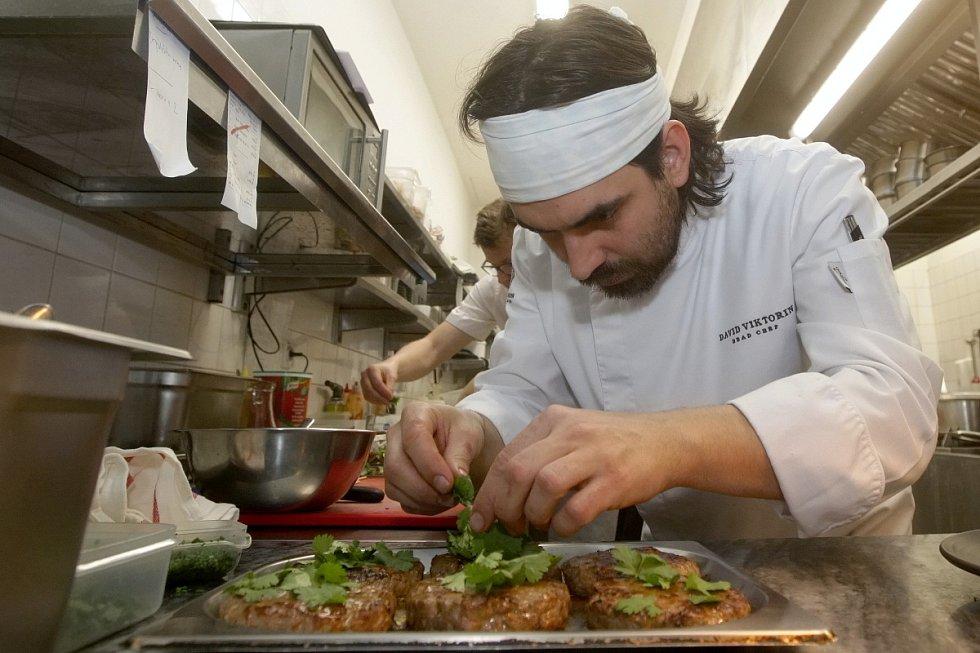 Akce se zúčastní i před pěti měsíci otevřený Rynk na Zelném trhu. Restaurace nabídne například burger z telecího masa.