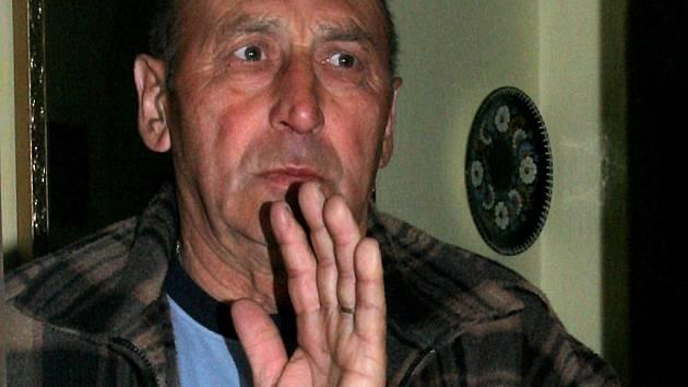 František Surý tvrdí, že jej žena celý život tloukla. Zabil ji při jedné z hádek.
