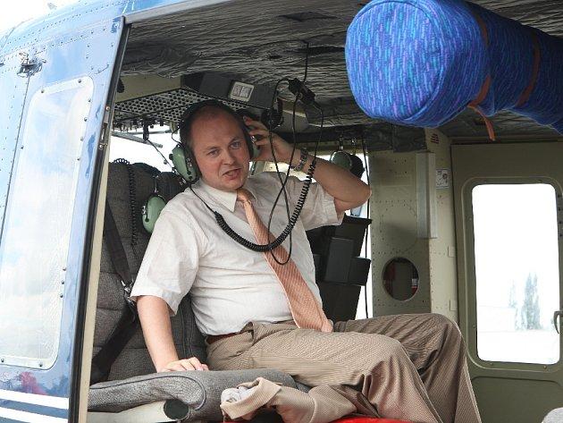 Hasiči a policisté cvičně zasahovali s vrtulníkem