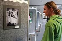 Zahájení putovní výstavy studentských fotografií z různých evropských univerzit, které mají přiblížit integraci v EU.