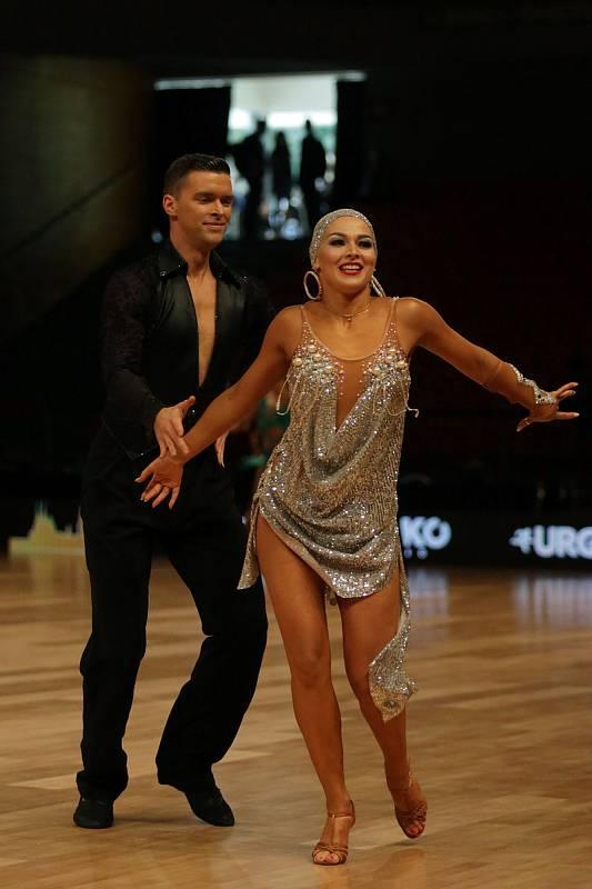 Špičkoví světoví tanečníci soutěžili ve standardních i latinskoamerických tancích. Zároveň probíhá soutěž o body do mezinárodního žebříčku WDSF World Open.