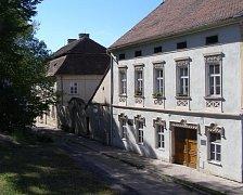 Knihovna v Dolních Kounicích.