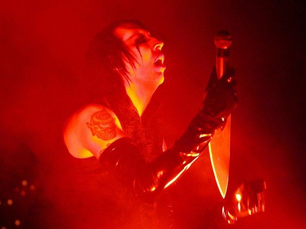 Zpěvák Marilyn Manson.