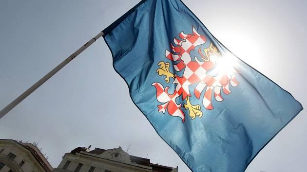 Historická vlajka Moravy. Ilustrační foto.