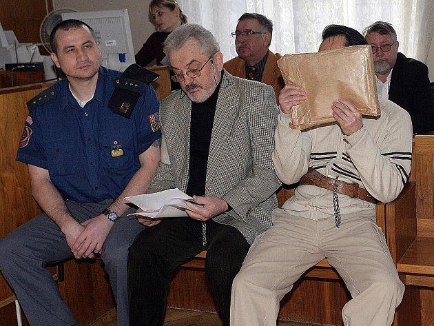Vjačeslav Petrovič Šamanin u brněnského soudu.
