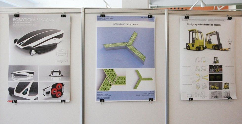 První ročník mezinárodního bienále studentského designu zahájilo pod názvem Design.s Technické muzeum v Brně-Králově poli. Výstava představuje 238 návrhů a vizualizací mladých designérů.