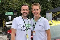 Andy Schleck (vpravo) se nyní stará o program hostů Škoda Auto. Na snímku je s Michalem Kramerem, lídrem cyklistické platformy We Love Cycling Česko.