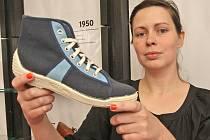 Unikátní brněnská výstava bot z minulého století.