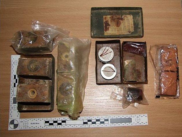 Nalezené výbušniny v brněnském bytě.