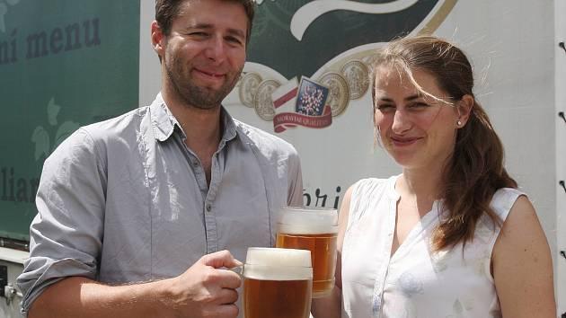 Hovory nad pivem. Výtvarnice Kateřina Šedá.