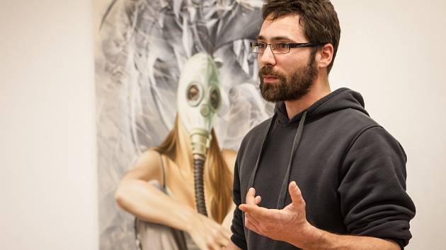 Figurativní náměty, znovupřivolané vzpomínky, fosforeskující barvy. První ucelenou výstavu uměleckého hnutí Prague Stuckists ve středu na Špilberku zahájilo Muzeum města Brna.