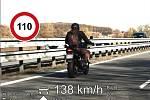 Motocyklista překročil rychlost u Kuřimi.