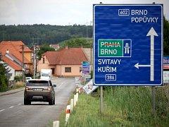Silničáři před časem uzavřeli nájezd na D1 na Prahu u Ostrovačic na Brněnsku.