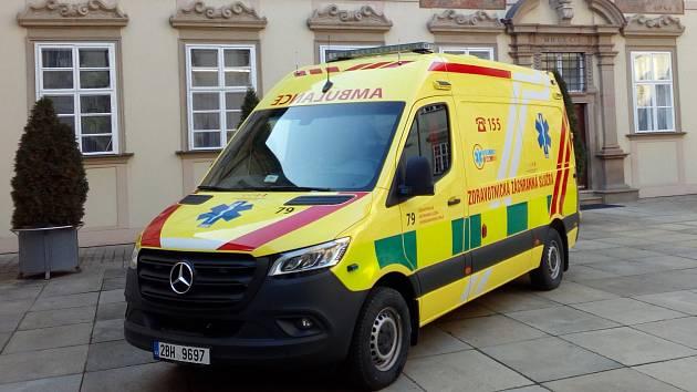 Město Brno koupilo za čtyři miliony korun novou sanitku a předalo ji krajské záchranné službě.