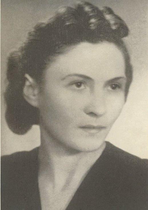 V Brně položí dalších šest kamenů zmizelých. Připomenou i hrdinství dvou bratranců. Na snímku: Zdeňka Pařízková.