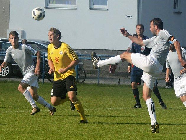 Fotbalisté divizních Rosic porazili v jihomoravské derby Břeclav 1:0.