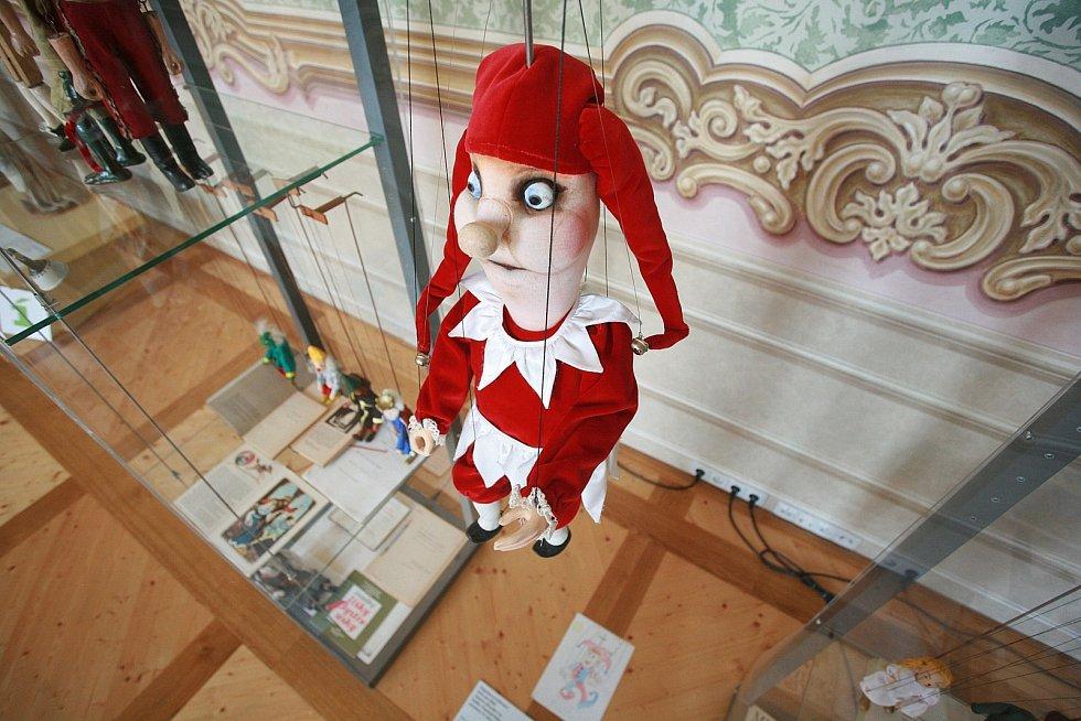 Výstava loutek aneb tajemství za červenou oponou v Památníku písemnictví na Moravě v Rajhradě.