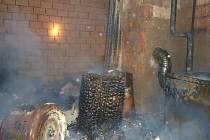 K požáru rodinného domu v Drahoníně na Brněnsku vyjíždělo šest jednotek hasičů.