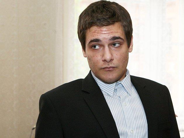 Jednadvacetiletý Tomáš Klaban u brněnského soudu.