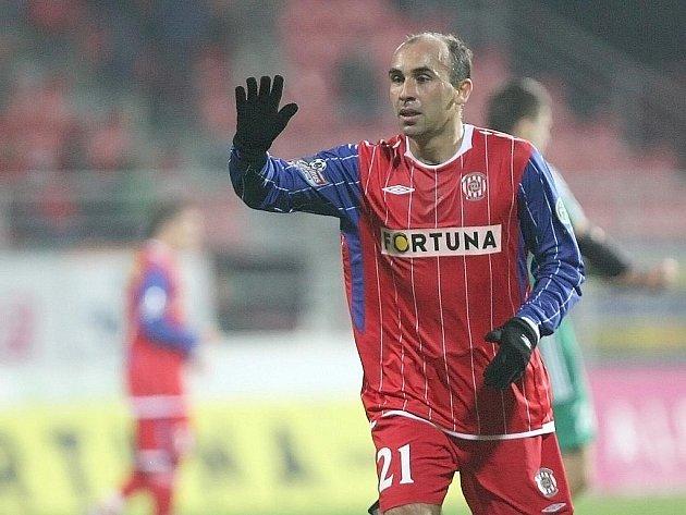 Fotbalista Tomáš Polách v dresu Zbrojovky.
